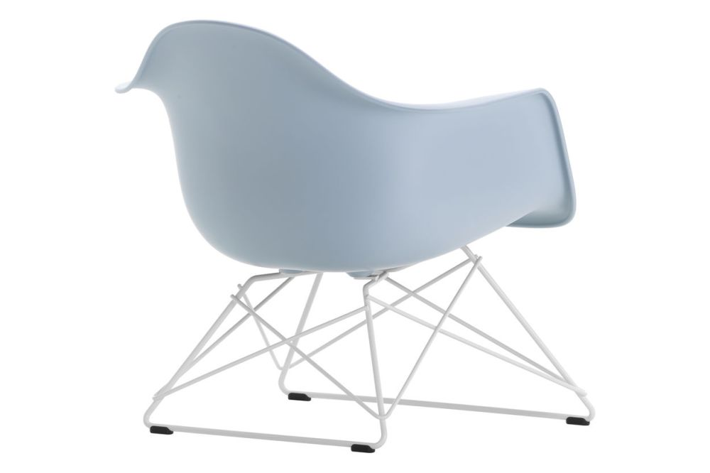 https://res.cloudinary.com/clippings/image/upload/t_big/dpr_auto,f_auto,w_auto/v1591177488/products/eames-lar-plastic-armchair-vitra-charles-ray-eames-clippings-11414133.jpg