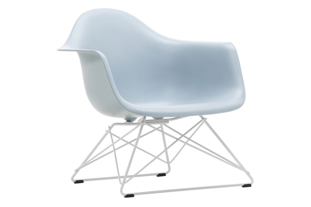https://res.cloudinary.com/clippings/image/upload/t_big/dpr_auto,f_auto,w_auto/v1591177489/products/eames-lar-plastic-armchair-vitra-charles-ray-eames-clippings-11414134.jpg