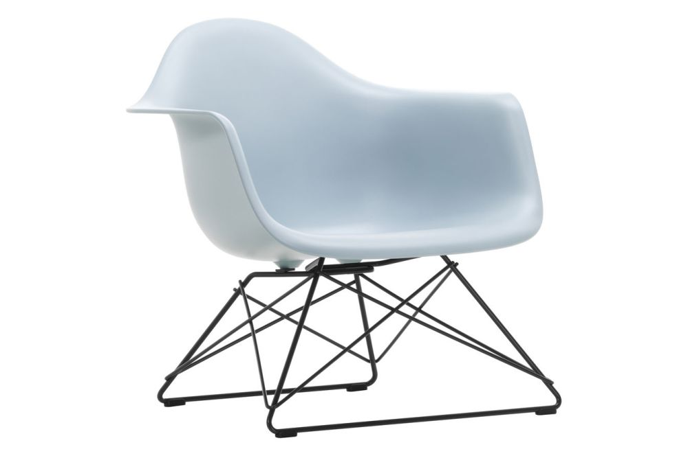 https://res.cloudinary.com/clippings/image/upload/t_big/dpr_auto,f_auto,w_auto/v1591177499/products/eames-lar-plastic-armchair-vitra-charles-ray-eames-clippings-11414136.jpg