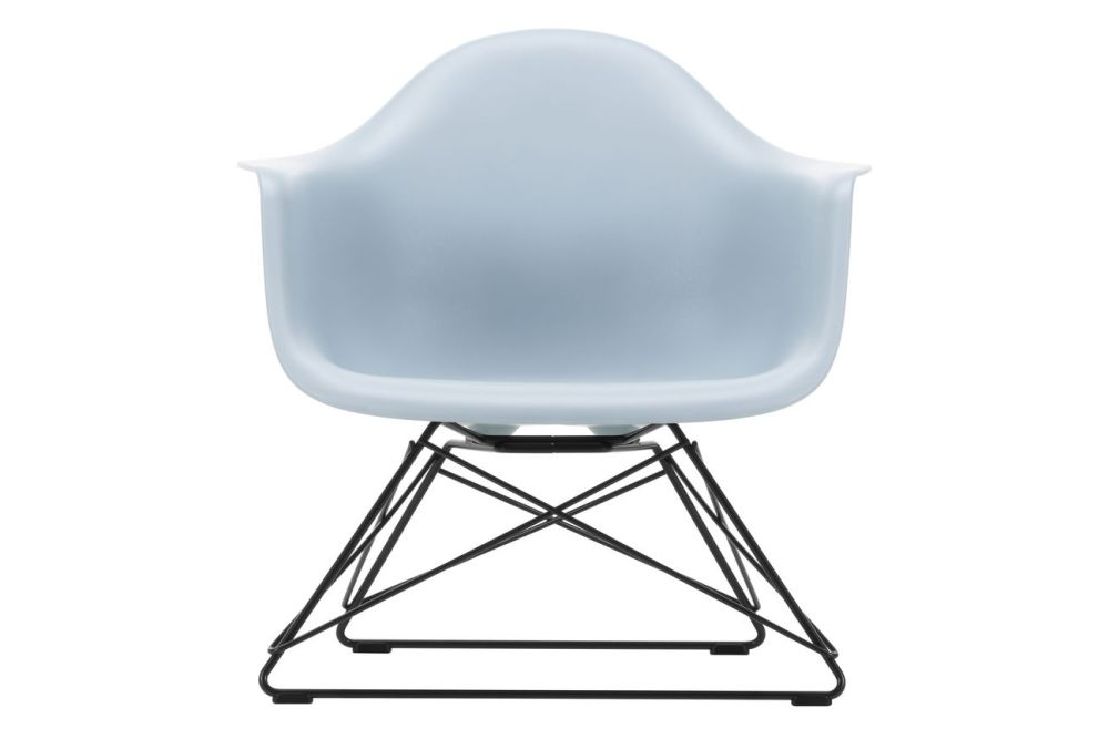 https://res.cloudinary.com/clippings/image/upload/t_big/dpr_auto,f_auto,w_auto/v1591177499/products/eames-lar-plastic-armchair-vitra-charles-ray-eames-clippings-11414137.jpg