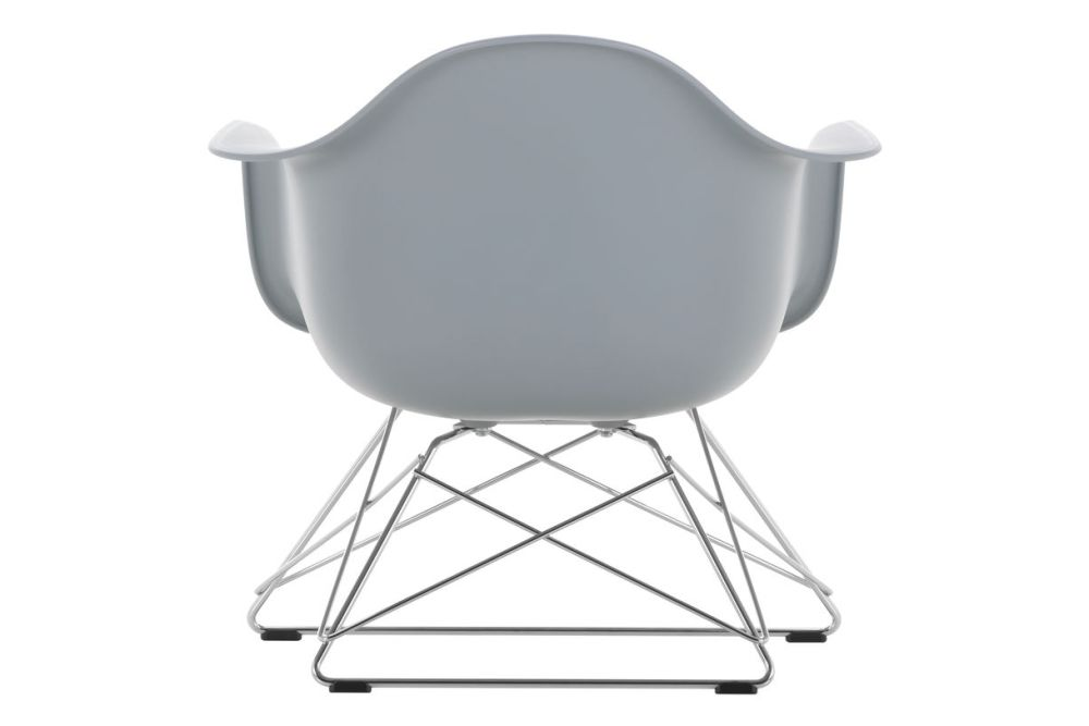 https://res.cloudinary.com/clippings/image/upload/t_big/dpr_auto,f_auto,w_auto/v1591177539/products/eames-lar-plastic-armchair-vitra-charles-ray-eames-clippings-11414141.jpg