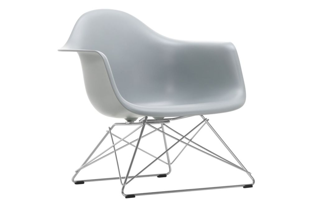 https://res.cloudinary.com/clippings/image/upload/t_big/dpr_auto,f_auto,w_auto/v1591177541/products/eames-lar-plastic-armchair-vitra-charles-ray-eames-clippings-11414142.jpg