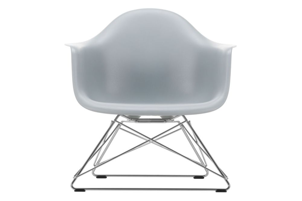 https://res.cloudinary.com/clippings/image/upload/t_big/dpr_auto,f_auto,w_auto/v1591177544/products/eames-lar-plastic-armchair-vitra-charles-ray-eames-clippings-11414143.jpg