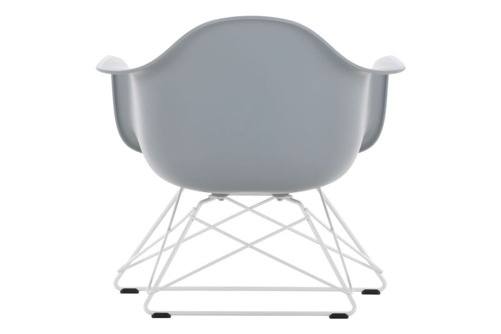 https://res.cloudinary.com/clippings/image/upload/t_big/dpr_auto,f_auto,w_auto/v1591177555/products/eames-lar-plastic-armchair-vitra-charles-ray-eames-clippings-11414144.jpg