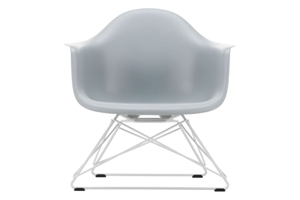 https://res.cloudinary.com/clippings/image/upload/t_big/dpr_auto,f_auto,w_auto/v1591177556/products/eames-lar-plastic-armchair-vitra-charles-ray-eames-clippings-11414145.jpg