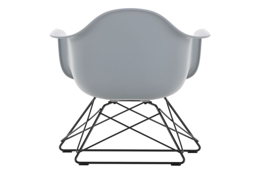 https://res.cloudinary.com/clippings/image/upload/t_big/dpr_auto,f_auto,w_auto/v1591177565/products/eames-lar-plastic-armchair-vitra-charles-ray-eames-clippings-11414147.jpg