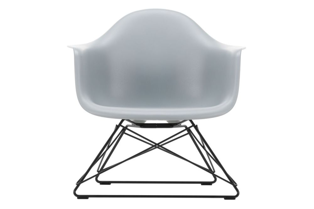 https://res.cloudinary.com/clippings/image/upload/t_big/dpr_auto,f_auto,w_auto/v1591177575/products/eames-lar-plastic-armchair-vitra-charles-ray-eames-clippings-11414150.jpg