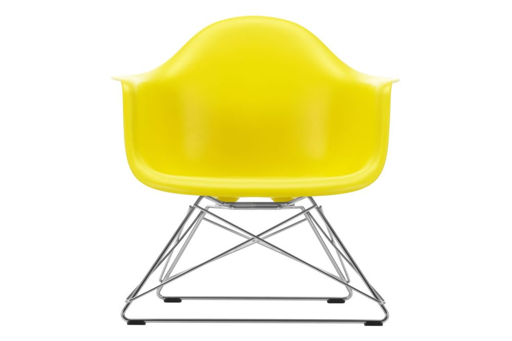 https://res.cloudinary.com/clippings/image/upload/t_big/dpr_auto,f_auto,w_auto/v1591177744/products/eames-lar-plastic-armchair-vitra-charles-ray-eames-clippings-11414154.jpg