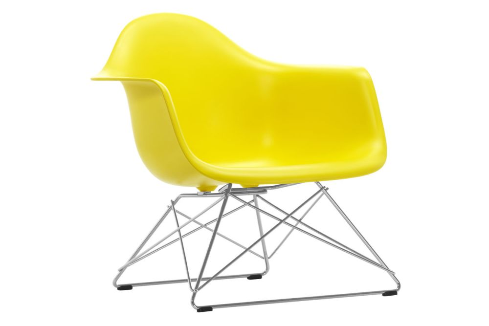 https://res.cloudinary.com/clippings/image/upload/t_big/dpr_auto,f_auto,w_auto/v1591177757/products/eames-lar-plastic-armchair-vitra-charles-ray-eames-clippings-11414155.jpg