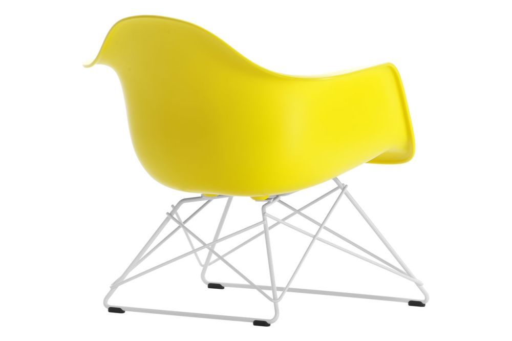 https://res.cloudinary.com/clippings/image/upload/t_big/dpr_auto,f_auto,w_auto/v1591177781/products/eames-lar-plastic-armchair-vitra-charles-ray-eames-clippings-11414159.jpg