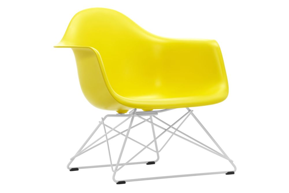 https://res.cloudinary.com/clippings/image/upload/t_big/dpr_auto,f_auto,w_auto/v1591177782/products/eames-lar-plastic-armchair-vitra-charles-ray-eames-clippings-11414161.jpg