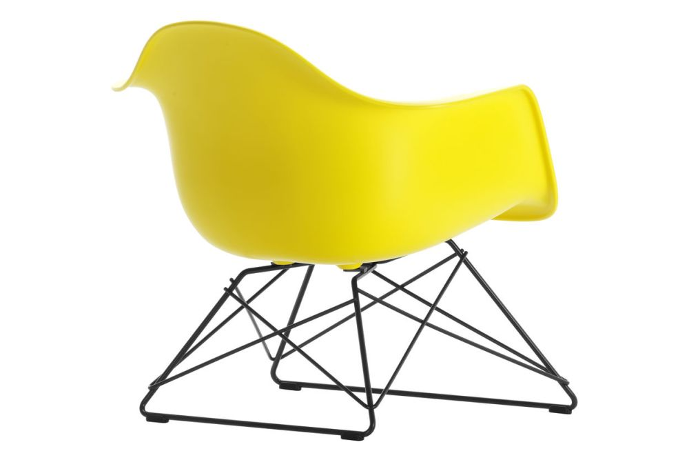 https://res.cloudinary.com/clippings/image/upload/t_big/dpr_auto,f_auto,w_auto/v1591177791/products/eames-lar-plastic-armchair-vitra-charles-ray-eames-clippings-11414164.jpg