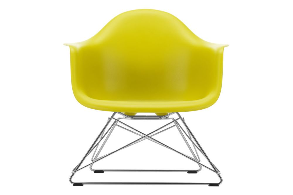 https://res.cloudinary.com/clippings/image/upload/t_big/dpr_auto,f_auto,w_auto/v1591177831/products/eames-lar-plastic-armchair-vitra-charles-ray-eames-clippings-11414166.jpg