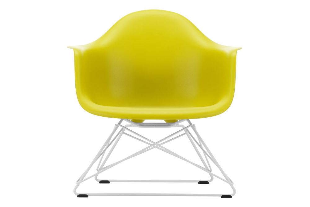 https://res.cloudinary.com/clippings/image/upload/t_big/dpr_auto,f_auto,w_auto/v1591177846/products/eames-lar-plastic-armchair-vitra-charles-ray-eames-clippings-11414169.jpg
