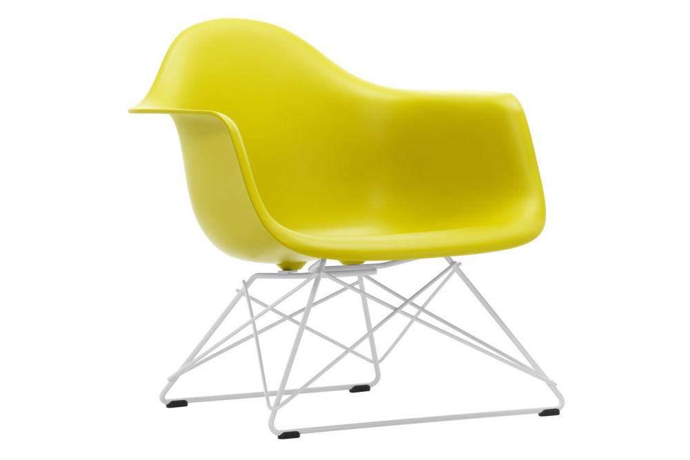 https://res.cloudinary.com/clippings/image/upload/t_big/dpr_auto,f_auto,w_auto/v1591177859/products/eames-lar-plastic-armchair-vitra-charles-ray-eames-clippings-11414171.jpg