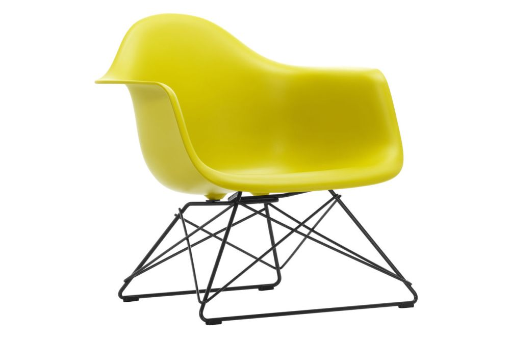 https://res.cloudinary.com/clippings/image/upload/t_big/dpr_auto,f_auto,w_auto/v1591177917/products/eames-lar-plastic-armchair-vitra-charles-ray-eames-clippings-11414174.jpg