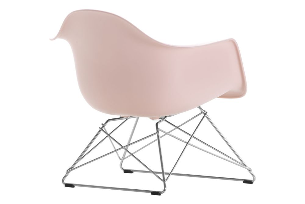 https://res.cloudinary.com/clippings/image/upload/t_big/dpr_auto,f_auto,w_auto/v1591177970/products/eames-lar-plastic-armchair-vitra-charles-ray-eames-clippings-11414181.jpg