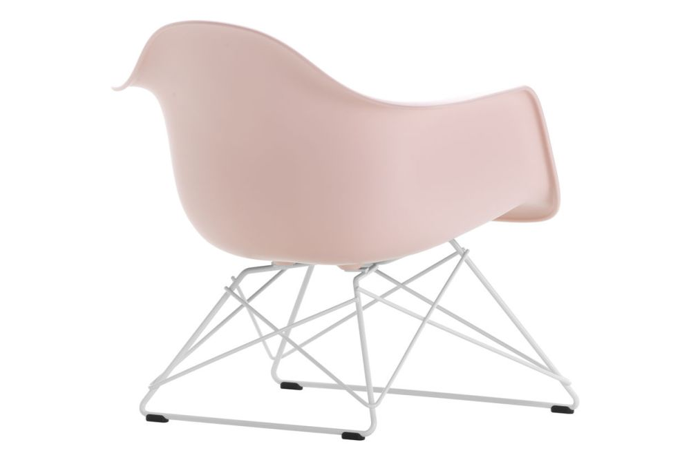 https://res.cloudinary.com/clippings/image/upload/t_big/dpr_auto,f_auto,w_auto/v1591177979/products/eames-lar-plastic-armchair-vitra-charles-ray-eames-clippings-11414184.jpg