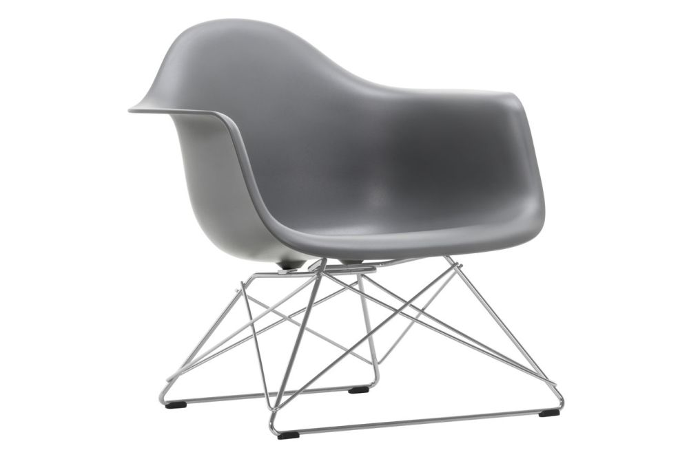 https://res.cloudinary.com/clippings/image/upload/t_big/dpr_auto,f_auto,w_auto/v1591178437/products/eames-lar-plastic-armchair-vitra-charles-ray-eames-clippings-11414227.jpg