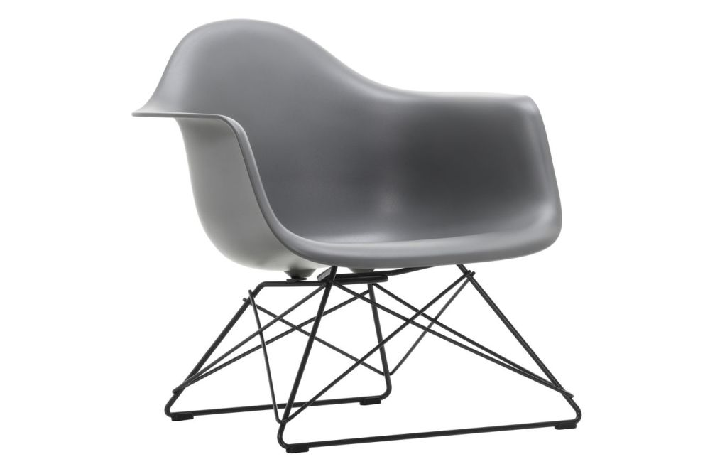 https://res.cloudinary.com/clippings/image/upload/t_big/dpr_auto,f_auto,w_auto/v1591178533/products/eames-lar-plastic-armchair-vitra-charles-ray-eames-clippings-11414236.jpg