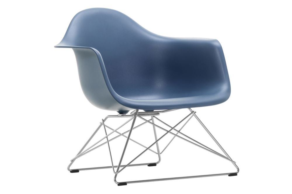 https://res.cloudinary.com/clippings/image/upload/t_big/dpr_auto,f_auto,w_auto/v1591178578/products/eames-lar-plastic-armchair-vitra-charles-ray-eames-clippings-11414237.jpg