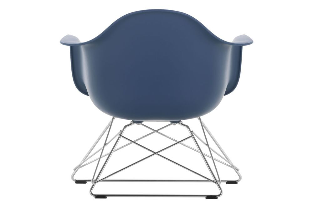 https://res.cloudinary.com/clippings/image/upload/t_big/dpr_auto,f_auto,w_auto/v1591178580/products/eames-lar-plastic-armchair-vitra-charles-ray-eames-clippings-11414239.jpg