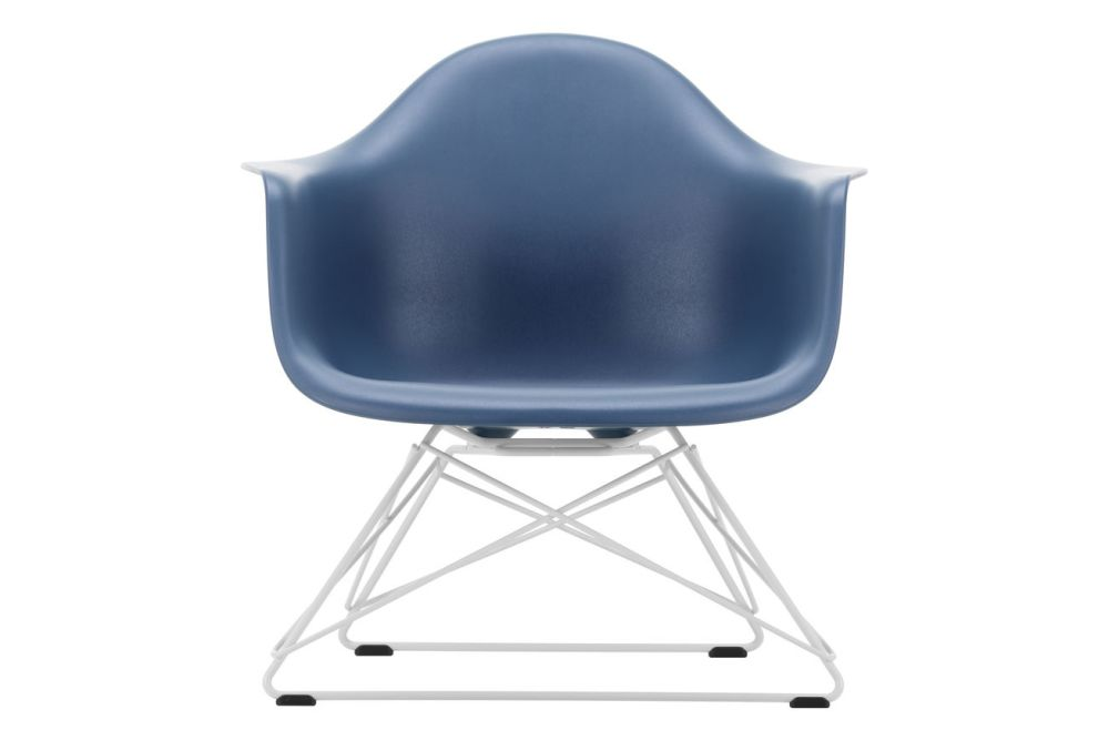 https://res.cloudinary.com/clippings/image/upload/t_big/dpr_auto,f_auto,w_auto/v1591178592/products/eames-lar-plastic-armchair-vitra-charles-ray-eames-clippings-11414242.jpg