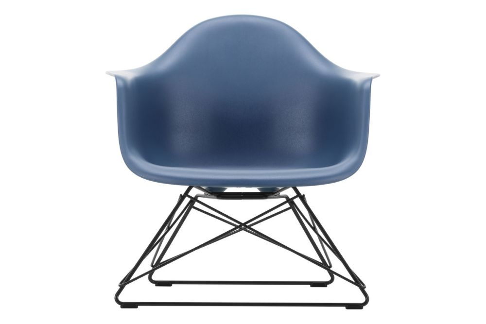 https://res.cloudinary.com/clippings/image/upload/t_big/dpr_auto,f_auto,w_auto/v1591178645/products/eames-lar-plastic-armchair-vitra-charles-ray-eames-clippings-11414248.jpg