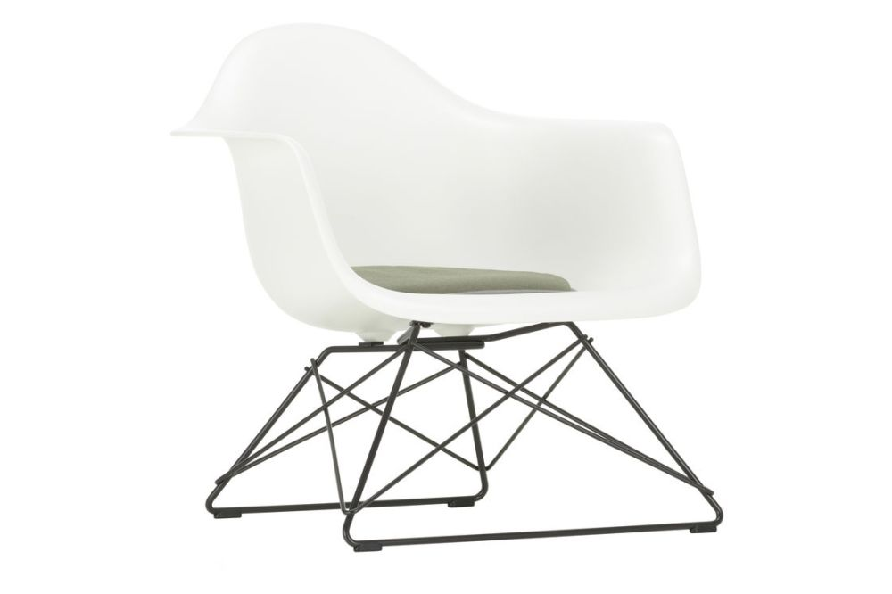 https://res.cloudinary.com/clippings/image/upload/t_big/dpr_auto,f_auto,w_auto/v1591187602/products/eames-lar-plastic-armchair-seat-upholstered-vitra-charles-ray-eames-clippings-11414316.jpg