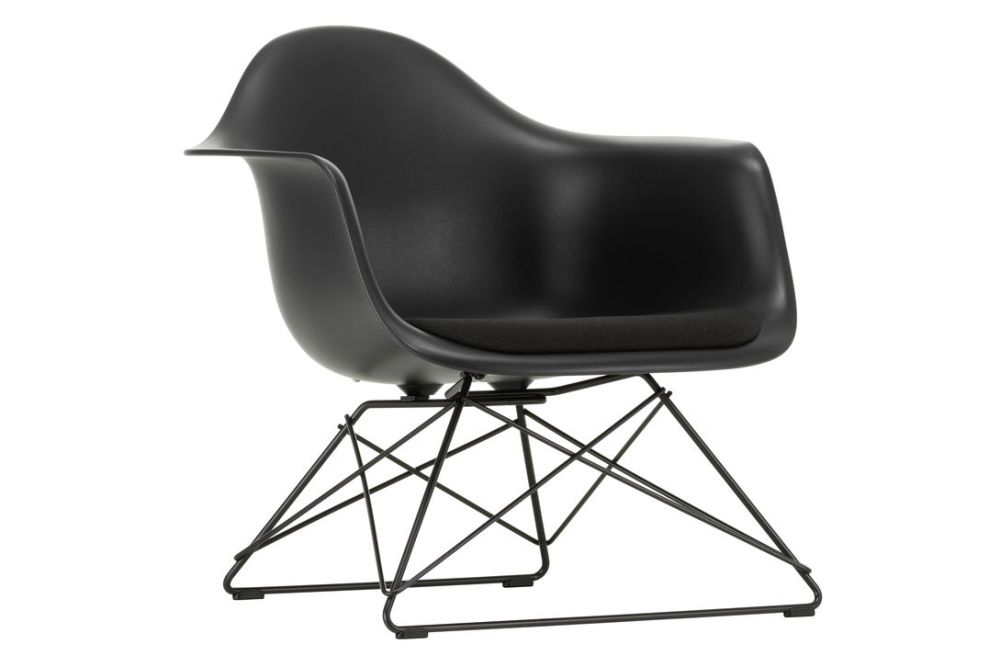https://res.cloudinary.com/clippings/image/upload/t_big/dpr_auto,f_auto,w_auto/v1591187664/products/eames-lar-plastic-armchair-seat-upholstered-vitra-charles-ray-eames-clippings-11414320.jpg
