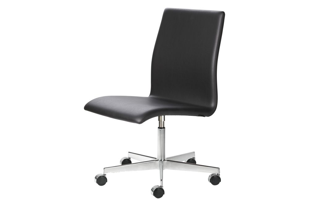 https://res.cloudinary.com/clippings/image/upload/t_big/dpr_auto,f_auto,w_auto/v1591952646/products/oxford-classic-chair-low-back-fritz-hansen-arne-jacobsen-clippings-11417133.jpg