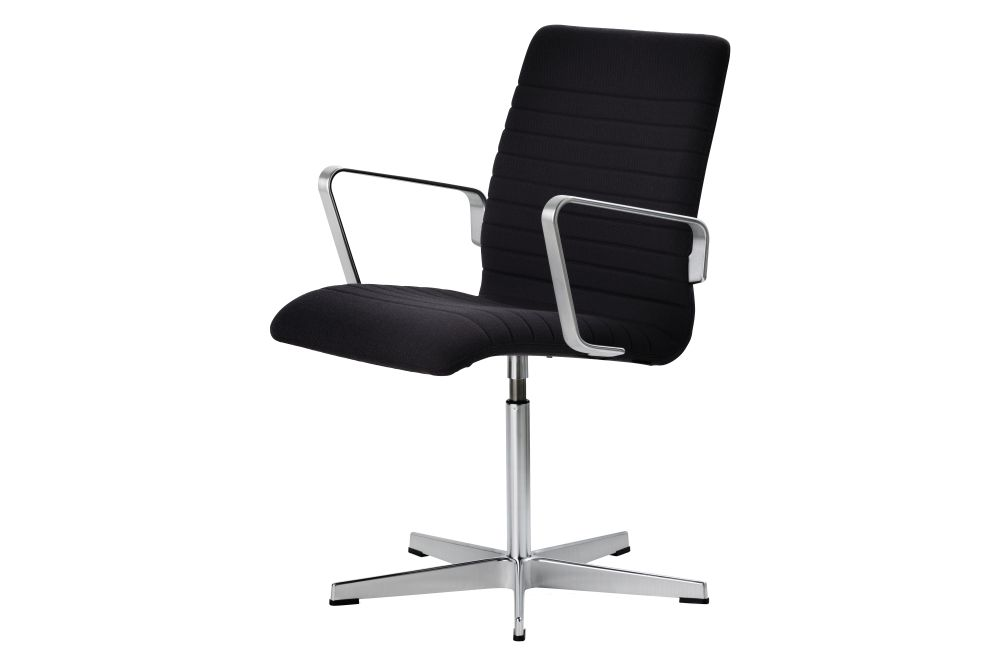 https://res.cloudinary.com/clippings/image/upload/t_big/dpr_auto,f_auto,w_auto/v1592405061/products/oxford-premium-chair-with-armrests-low-back-fritz-hansen-arne-jacobsen-clippings-11417887.jpg