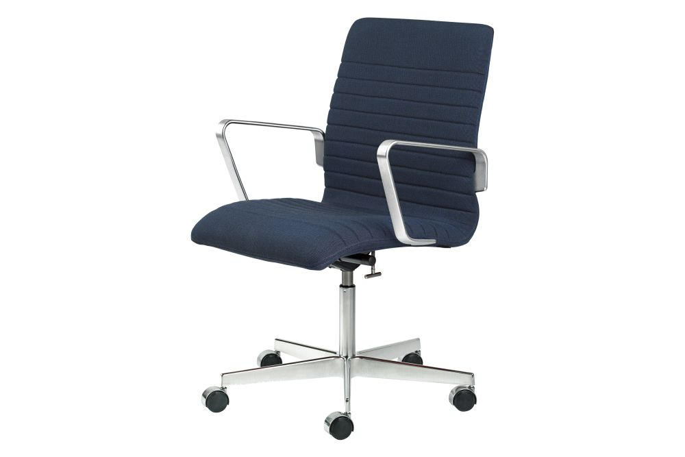 https://res.cloudinary.com/clippings/image/upload/t_big/dpr_auto,f_auto,w_auto/v1592405063/products/oxford-premium-chair-with-armrests-low-back-fritz-hansen-arne-jacobsen-clippings-11417888.jpg