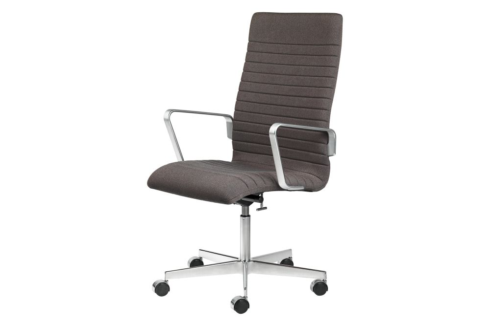 https://res.cloudinary.com/clippings/image/upload/t_big/dpr_auto,f_auto,w_auto/v1592409865/products/oxford-premium-chair-with-armrests-medium-back-fritz-hansen-arne-jacobsen-clippings-11417934.jpg
