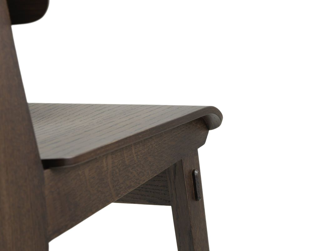 https://res.cloudinary.com/clippings/image/upload/t_big/dpr_auto,f_auto,w_auto/v1594368603/products/chaise-tout-bois-dining-chair-vitra-jean-prouv%C3%A9-clippings-11420015.jpg