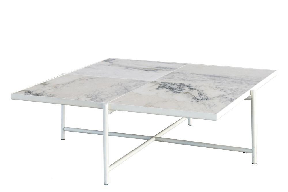 https://res.cloudinary.com/clippings/image/upload/t_big/dpr_auto,f_auto,w_auto/v1595594729/products/handv%C3%A4rk-coffee-table-90-white-marble-white-base-handv%C3%A4rk-emil-thorup-clippings-9865801.jpg