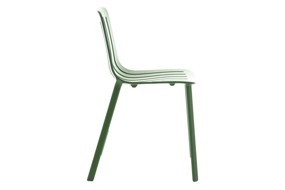 https://res.cloudinary.com/clippings/image/upload/t_big/dpr_auto,f_auto,w_auto/v1601284420/products/plato-chair-non-upholstered-magis-design-jasper-morrison-clippings-11449642.jpg