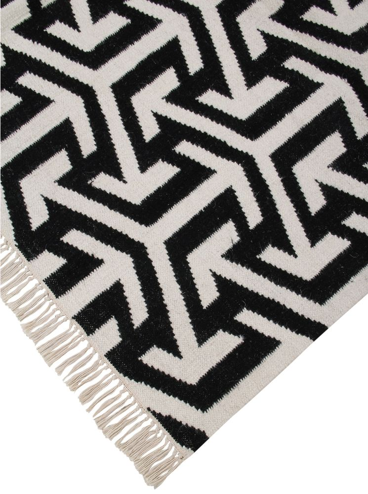 https://res.cloudinary.com/clippings/image/upload/t_big/dpr_auto,f_auto,w_auto/v1601459915/products/crossroads-luxury-handwoven-wool-rug-ana-noush-clippings-10094001.jpg