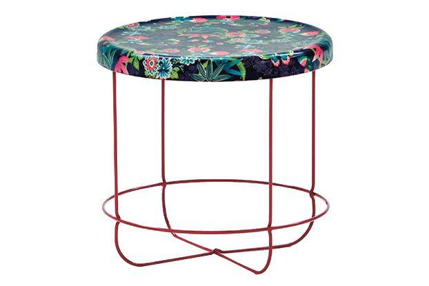 https://res.cloudinary.com/clippings/image/upload/t_big/dpr_auto,f_auto,w_auto/v1601620266/products/ukiyo-round-coffee-table-paradise-purple-moroso-tomita-kazuhiko-clippings-10614071.jpg