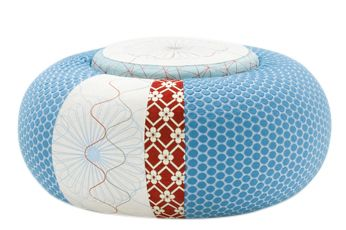 https://res.cloudinary.com/clippings/image/upload/t_big/dpr_auto,f_auto,w_auto/v1601882090/products/donut-pouf-round-sushi-edition-blue-94-x-50-x-45-moroso-edward-van-vliet-clippings-11111599.jpg
