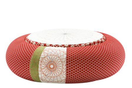 https://res.cloudinary.com/clippings/image/upload/t_big/dpr_auto,f_auto,w_auto/v1601882101/products/donut-pouf-round-sushi-edition-red-94-x-50-x-45-moroso-edward-van-vliet-clippings-11111597.jpg