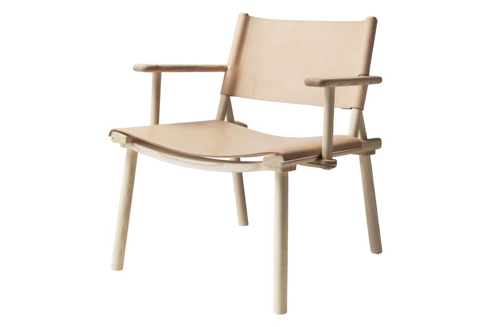 https://res.cloudinary.com/clippings/image/upload/t_big/dpr_auto,f_auto,w_auto/v1601886056/products/xl-december-lounge-chair-with-arms-ash-natural-oil-natural-tanned-leather-nude-nikari-jasper-morrison-wataru-kumano-clippings-11203672.jpg