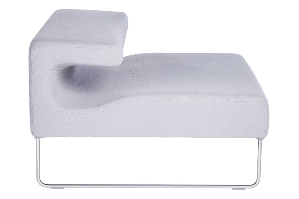 https://res.cloudinary.com/clippings/image/upload/t_big/dpr_auto,f_auto,w_auto/v1601900434/products/lowseat-armchair-tonus-4-100-white-w-moroso-patricia-urquiola-clippings-11113228.jpg