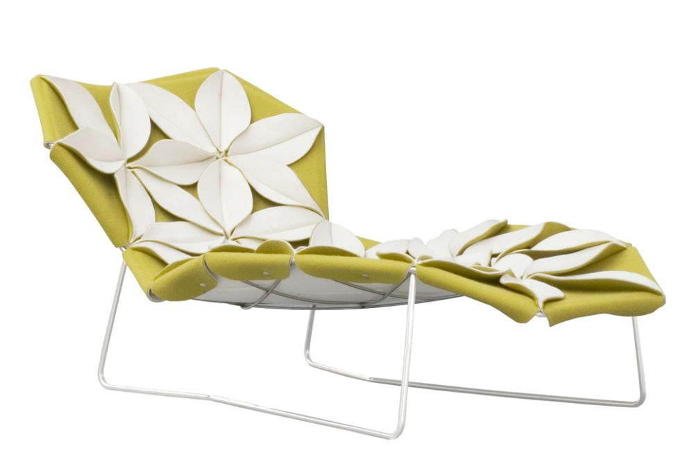 https://res.cloudinary.com/clippings/image/upload/t_big/dpr_auto,f_auto,w_auto/v1601966853/products/antibodi-multicolor-chaise-longue-with-flowers-a0895-divina-3-936-green-front-side-petal-a0921-divina-3-106-white-moroso-patricia-urquiola-clippings-11114123.jpg