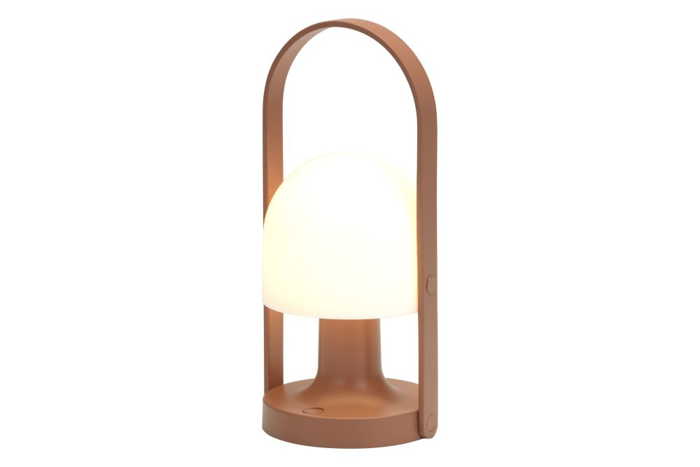 https://res.cloudinary.com/clippings/image/upload/t_big/dpr_auto,f_auto,w_auto/v1602492897/products/followme-table-lamp-white-oak-marset-inma-berm%C3%BAdez-clippings-11451456.jpg