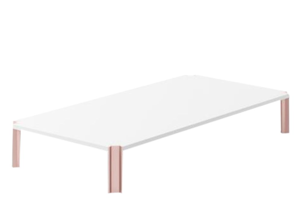 https://res.cloudinary.com/clippings/image/upload/t_big/dpr_auto,f_auto,w_auto/v1603085915/products/crossing-coffee-table-rectangular-white-open-pore-lacquered-on-oak-pale-rose-anodised-aluminium-200cm-punt-arik-levy-clippings-10762121.jpg