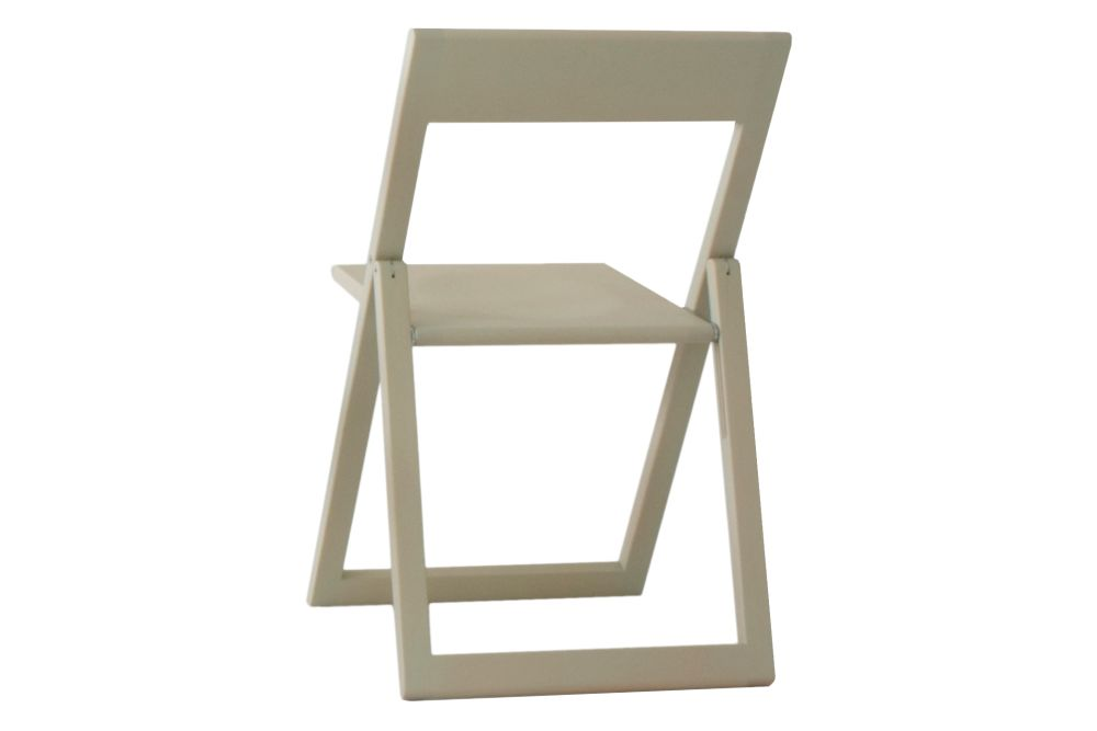 https://res.cloudinary.com/clippings/image/upload/t_big/dpr_auto,f_auto,w_auto/v1604398212/products/aviva-chair-set-of-2-magis-marc-berthier-clippings-11480066.jpg