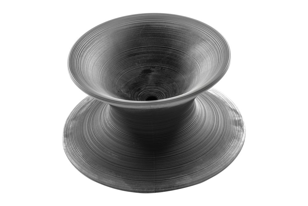 https://res.cloudinary.com/clippings/image/upload/t_big/dpr_auto,f_auto,w_auto/v1604485281/products/spun-rotating-low-chair-magis-thomas-heatherwick-clippings-11480191.jpg