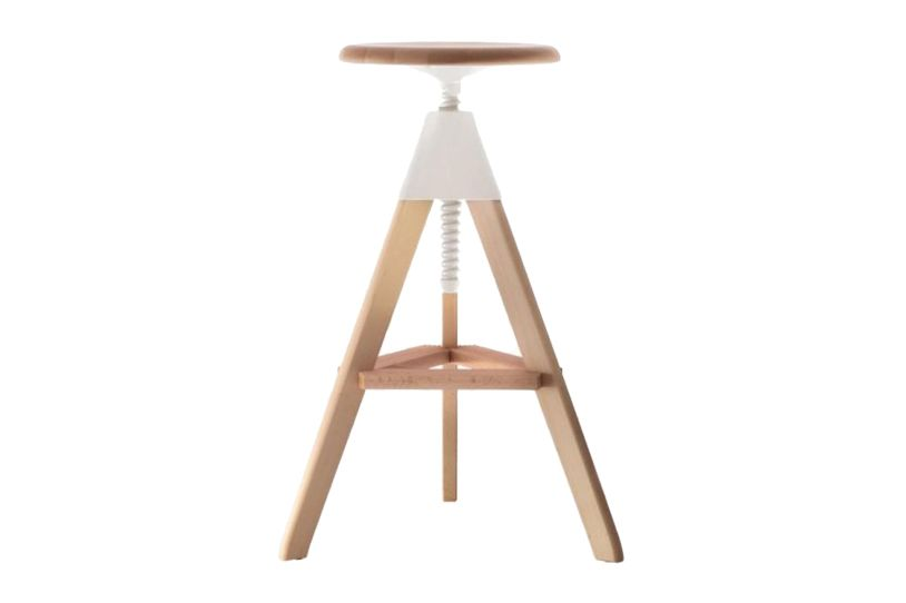 https://res.cloudinary.com/clippings/image/upload/t_big/dpr_auto,f_auto,w_auto/v1604487777/products/tom-swivel-stool-the-wild-bunch-natural-seat-and-frame-matt-white-joint-and-screw-magis-konstantin-grcic-clippings-8931251.jpg