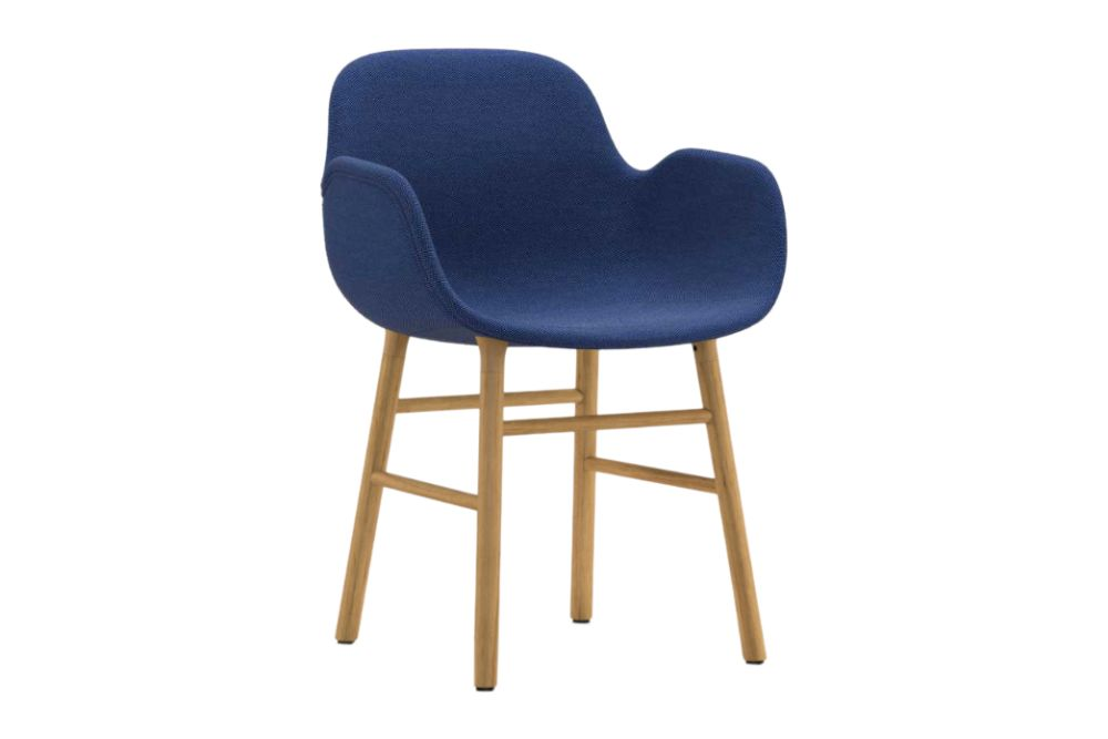 https://res.cloudinary.com/clippings/image/upload/t_big/dpr_auto,f_auto,w_auto/v1604562032/products/form-armchair-fully-upholstered-breeze-fusion-04603-nc-oak-normann-copenhagen-simon-legald-clippings-9123191.jpg